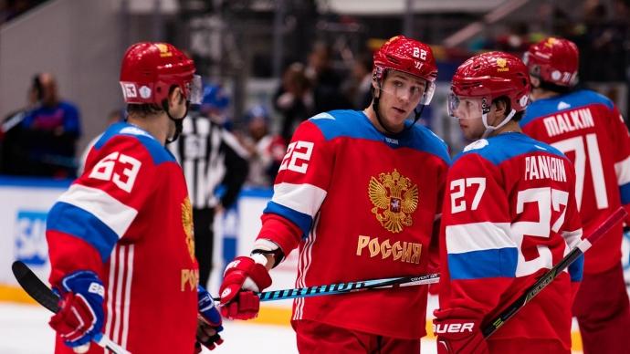 Вот Россия выходит вперед в полуфинале, а вот Европа ведет 1:0 за три с половиной минуты до конца третьего периода второго финального матча. И только появляется мысль, что канадцы тоже люди, тоже ошибаются и их можно обыгрывать, как они включают турбо-режим, выпускают тройку Кросби — Маршанд — Бержерон и все встает на свои места.